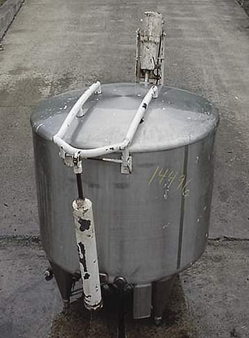 300 GALLON OPEN TOP MIXING TANK