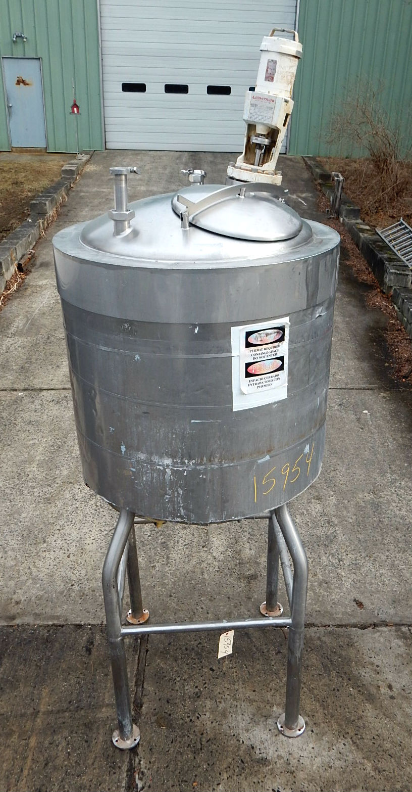 200 GALLON JACKETED MIXING TANK