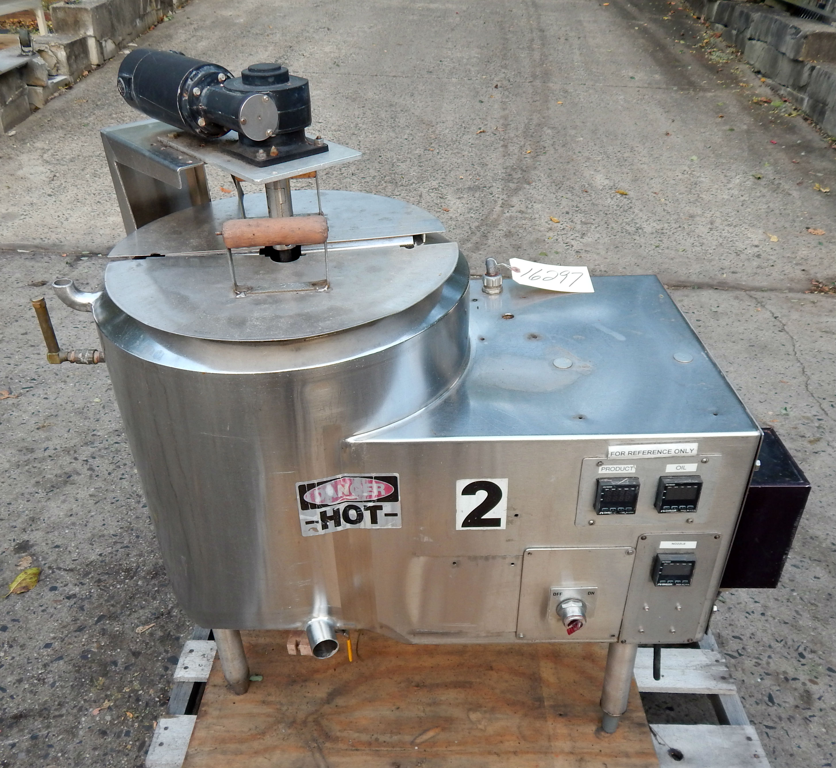 10 GAL ELECTRICALLY HEATED KETTLE